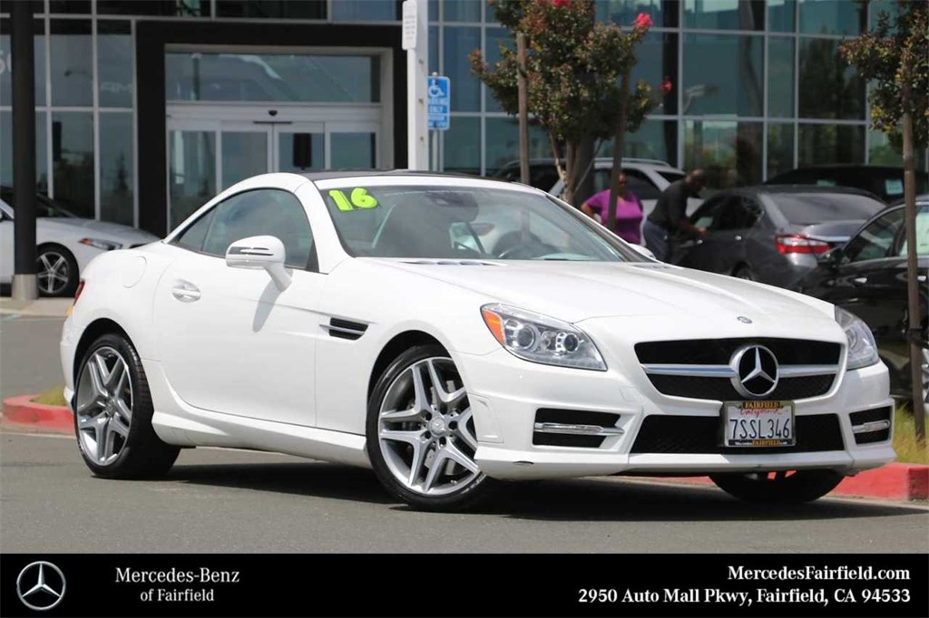 Pre-Owned 2016 Mercedes-Benz SLK 350